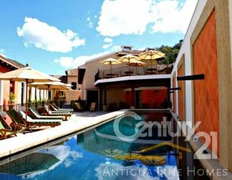 AR109 / Fully Furnished Villa / 1 Month Min. Term