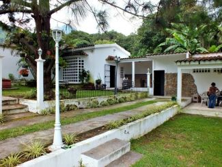 AR121/ Cozy House in Pastores /Min 1 Year