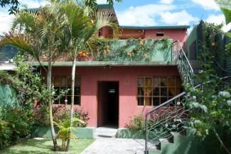 QR112 / 5 Bedroom House Centrally Located in Panajachel / Min. 6 Months.