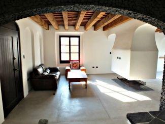 FR162 / Big 3 Bedroom House / Long Term Rental
