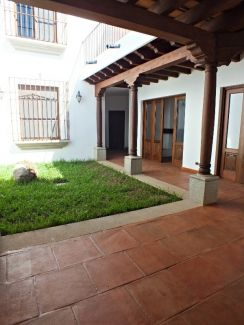 CR201 / Unfurnished 3 Bedroom / Swimming Pool