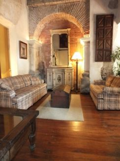 AR231/ Fully Furnished Apartment / 2 Bedrooms
