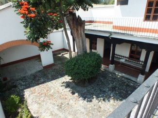 AR233 / Fully Furnished House/ 3 Bedrooms