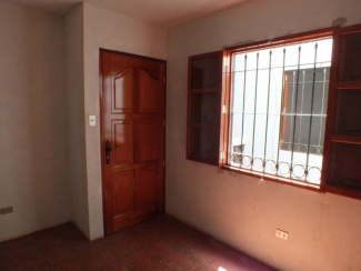 DR283 / Unfurnished House / Eight Rooms