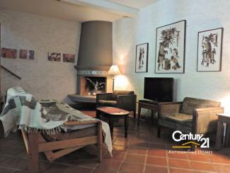 AR385 - One Bedroom Apartment / Furnished / Walking Distance