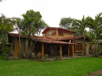 QR63 / Adobe Home in Central Panajachel Unit 1 / Min. 12 Months
