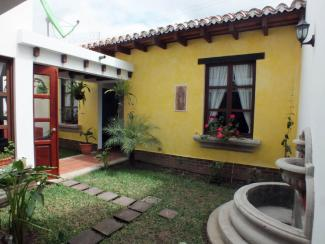 DR276 / Three Bedroom House /  Fully Furnished