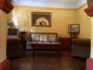 LR464 - House - 2 Bedrooms