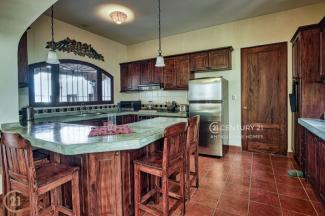 SCR820 - HOUSE - 3 BEDROOMS